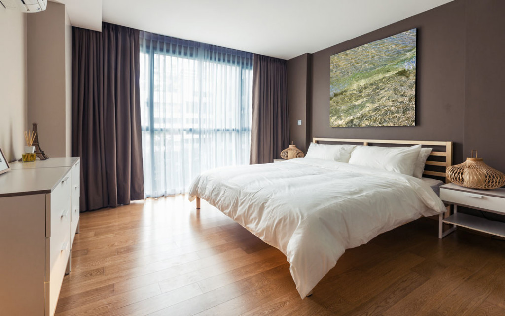 Brown-and- Cream-paint-colour-bedroom-combinations