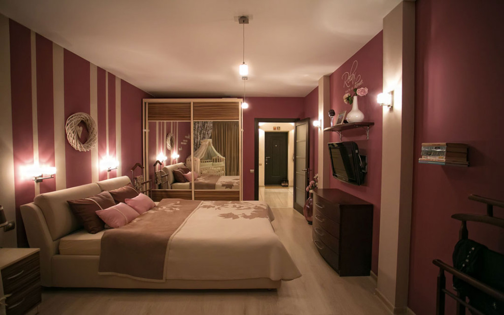 Burgundy-and-Grey-bedroom-paint-colour-combinations