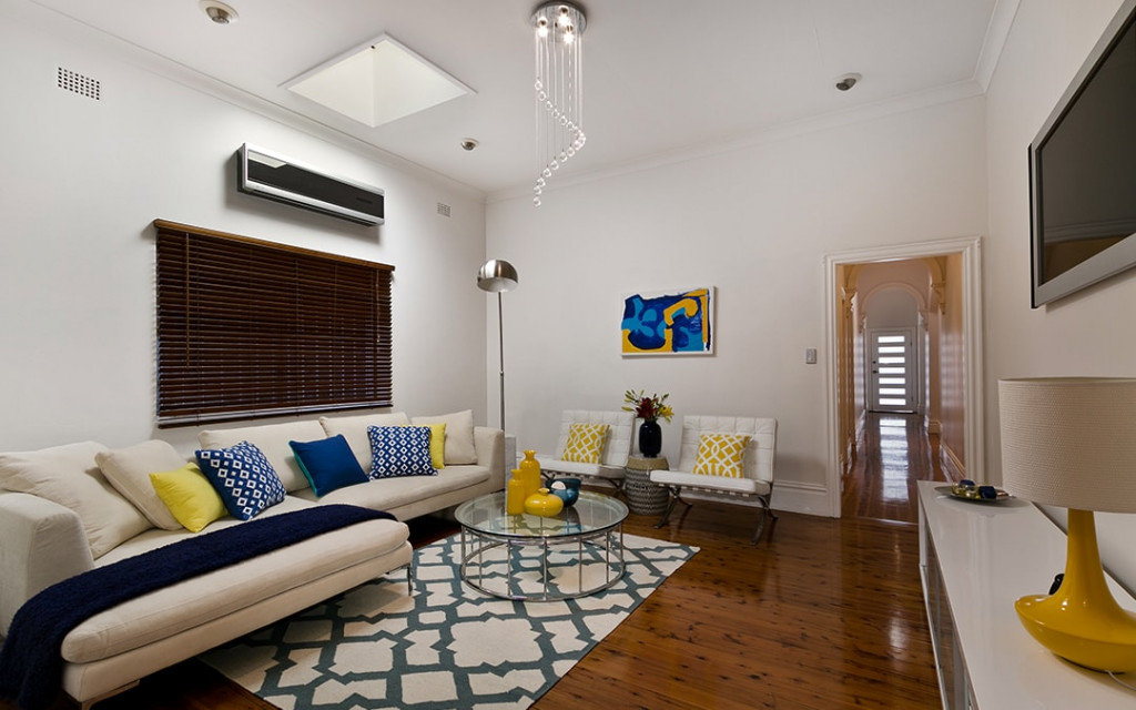 Small-space-living-room-build-with-high-ceiling