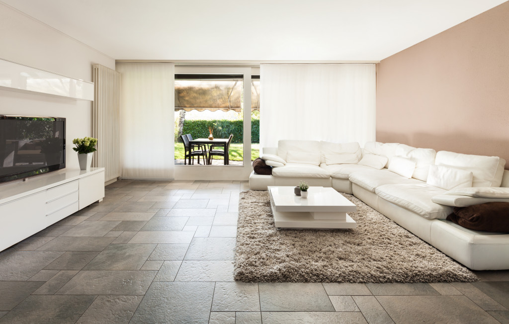 Mixed View To Choose The Best Home Paint Colour For You