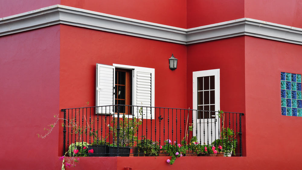 Red color Interior wall paint